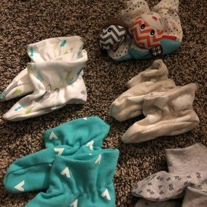 cloud island Accessories - Set of 6 Baby Booties